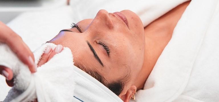 Glow Up Facial Treatment Monaco Traitement du Visage Monaco